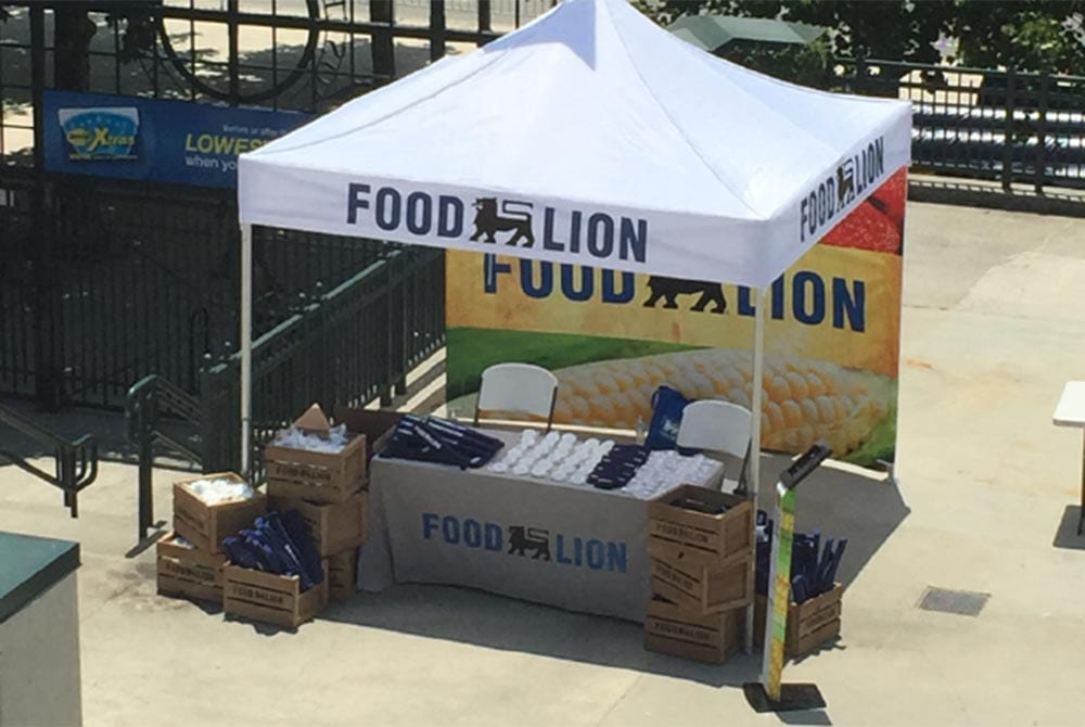 food-lion-branded-tents-and-cloths