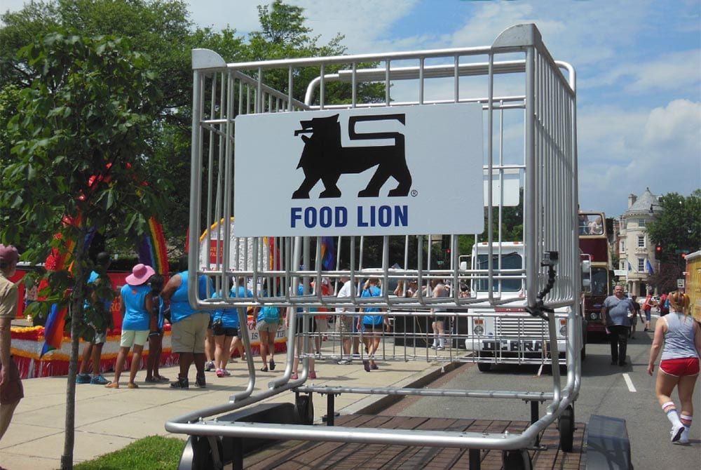 food-lion-giant-shopping-cart